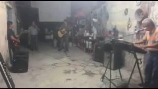 Carlos Gonzalez tocando
