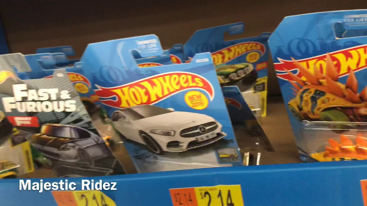 Hot Wheels Bone Speeder /& D-Muscle 2019 McDonald/'s Happy Meal Toy #3 /& #4