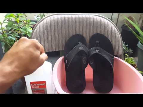 Stinky sandals remedy! See Comments for more information. Life Hacks.