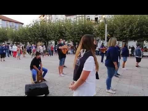 La Salve Marinera a la Virgen del Puerto volvió a cantarse en Santoña