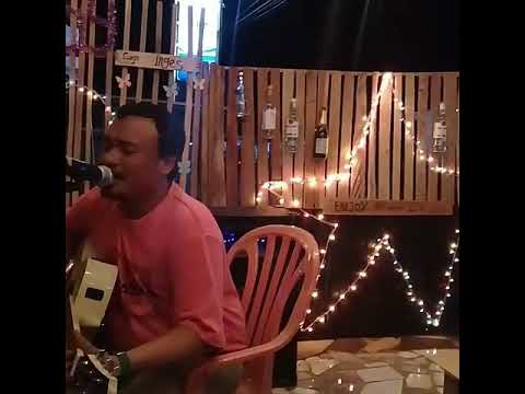 live music enjoy  cafe labuhan lombok kuliner