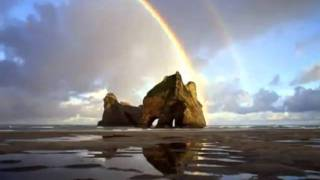 Somewhere over the Rainbow - Israel Kamakawiwo`ole.flv