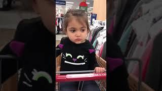 Как детям скучно в супермаркетах. Приколы с детьми