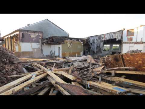 "Arley Working Mens Club ""The Jampot"" Demolition Video"