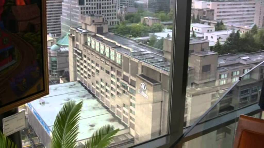 Delta centre ville hotel montreal tour youtube for Hotel montreal piscine