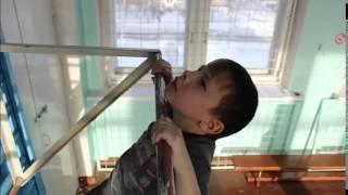Как научить детей подтягиваться