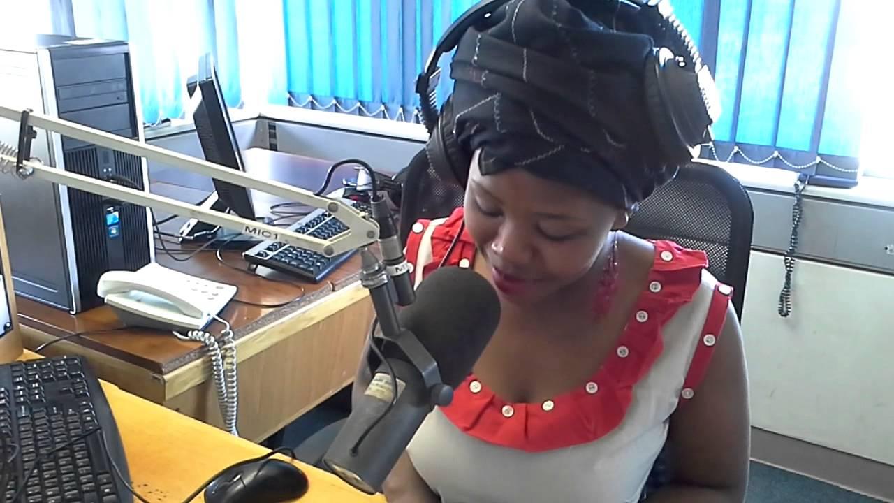 Video: DJ Zintle (Baby Zee) beaten up by boyfriend live on air