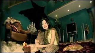 Смотреть клип Дильназ Ахмадиева - Между Нами Зима