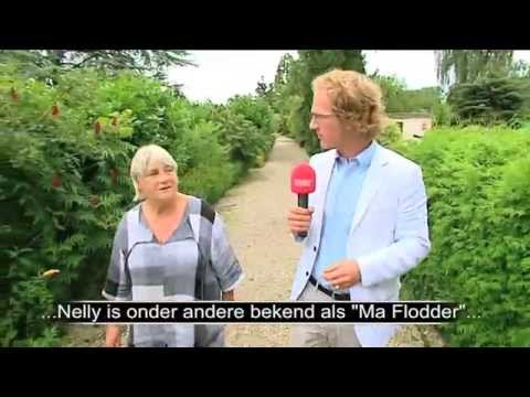 Nelly Frijda, oa bekend als Ma Flodder, in gesprek met