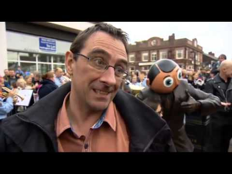 Frank Sidebottom Statue unveiling on ITV News