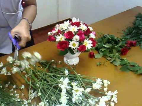 ผสว.ฝธพ. สอนจัดแจกันดอกไม้