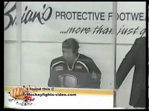 0304 Jordan Morrison vs Iain McPhee Peterborough Petes vs Windsor Spitfires OHL