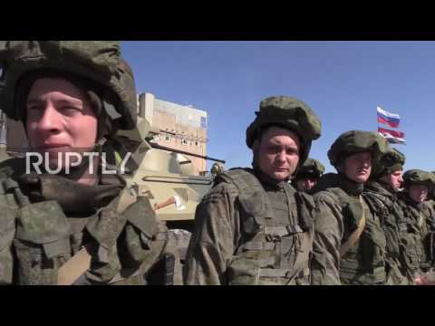 Syria: Russian sappers given farewell ceremony by Aleppo residents