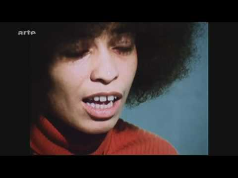Angela Davis - interview 1972 - talking about revolution - vostfr