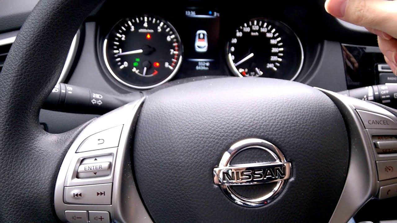 Nissan Qashqai J11 Squeezing Steering Wheel