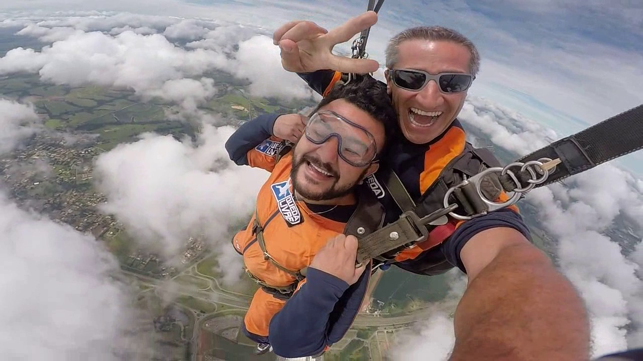 Salto de Paraquedas do Leandro G na Queda Livre Parequedismo 07 01 2017