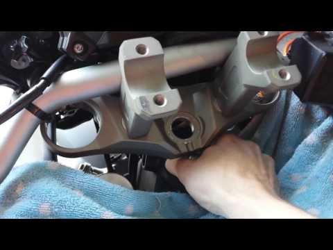 Yamaha FJ-09/MT-09 Tracer/FZ-09 How to Torque Steering Stem Nut and Bearings