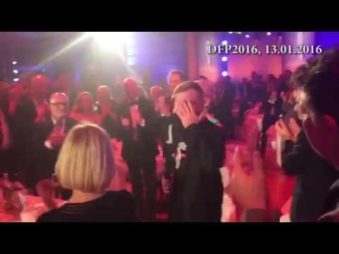 """Deutscher Fernsehpreis 2016    """"Ich mach's Fernsehen an und krieg's kalte Kotzen!"""""""