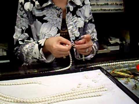 Жемчужное ожерелье с бриллиантами Mikimoto 500947 - YouTube