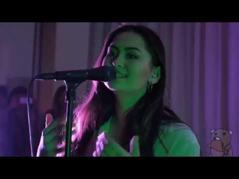 Jasmine Thompson - Drama (live @ The Standard Penthouse 5/22/17)