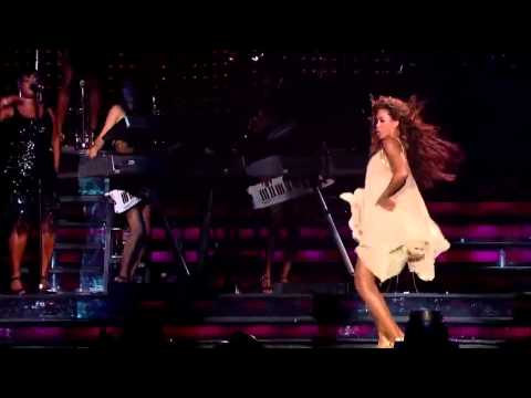 Beyoncé doing the Chicken Dance - Beyoncé Always On Beat!