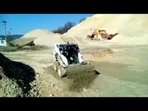 BOBCAT S530 Skid-Steer loader