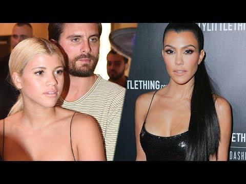 who is kourtney kardashian dating october 2017