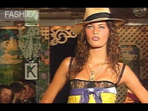 BETSEY JOHNSON Spring Summer 2002 New York - Fashion Channel