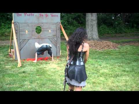 Lady Jax Throws Tomatoes at the New Jersey Renaissance Faire