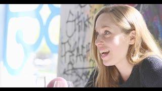Download Video Le Principe du cumshot avec Lili Boisvert | Tapis rose MP3 3GP MP4