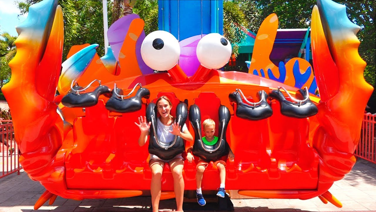 Vlad and Nikita in Sea World Amusement Park