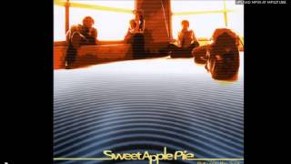 Sweet Apple Pie : pray before