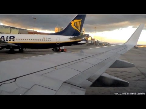 DARK weather ryanair B738 takeoff from Madrid Barajas (MAD) to Oporto (OPO)