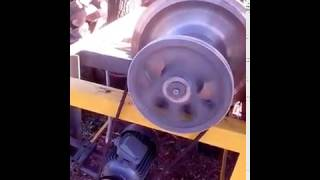 Дровокол с маховиком, 220 V, двигатель 2,2 кВт.