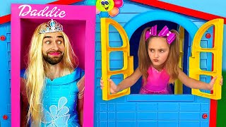 Sasha plays with Daddy and Princesses Dolls in boxes