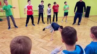 Double Twist - дети 9-13 лет /  Break dance battle