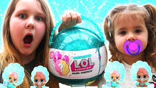 LOL Pearl Surprise Blind Bag Ball with Fizz Shell in Water Toy Video with Ruby Rube and Bonnie