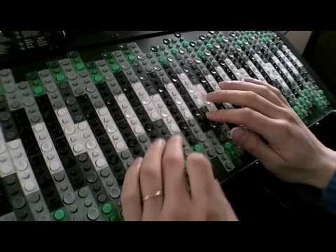 Dronal Improvisation On Tonal Plexus Microtonal Keyboard