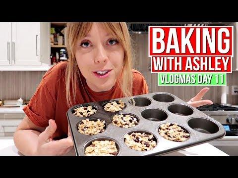 Baking With Ashley | Vlogmas Day 11!
