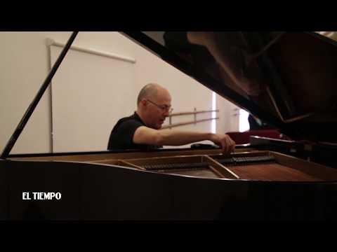 """""""Trabajo para que el pianista pueda hacer magia"""""""