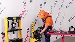 Comment changer Filtre à Carburant HONDA CR-V II (RD_) - video gratuit en ligne