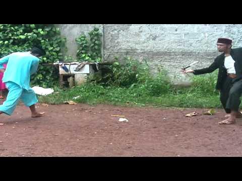 pencak silat beksi betawi ciputat, atraksi menggunakan golok