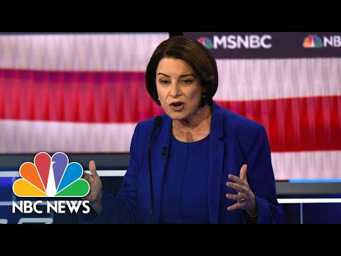 Amy Klobuchar Greets Mexico's President After Forgetting His Name | NBC News