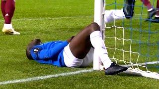 На то, что случилось с этим футболистом БОЛЬНО СМОТРЕТЬ! Лучшие футбольные видео