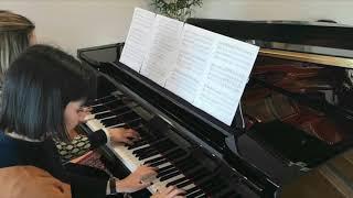 Carolina Guimarães e Catarina tocam Can Can - Dueto