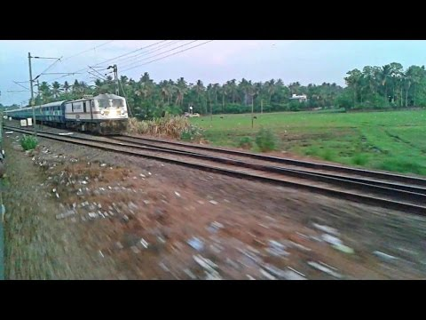 Twilight star WAP7 Alleppey - Chennai Express arrives Chalakudy
