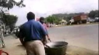Esto es lo que se pùede acer en una parada de Autobus en Totolapa Municipio De Tihuatlan Ver.3gp