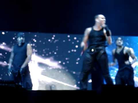 Chris Brown - Just Fine (Live)