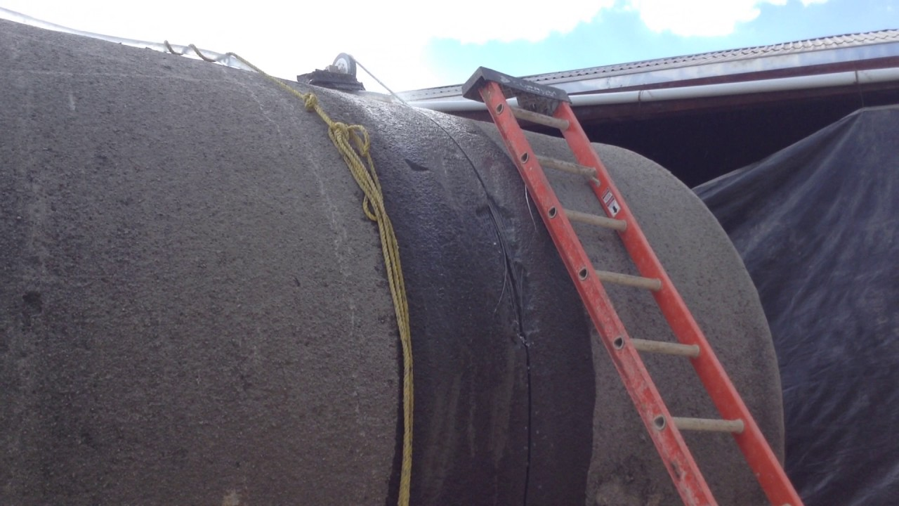 hydraulic wire saw to cut concrete pipe - YouTube