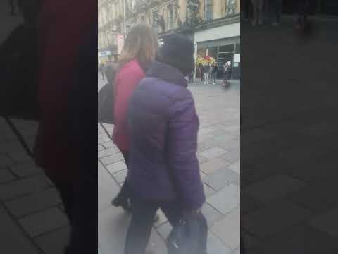 Street perform